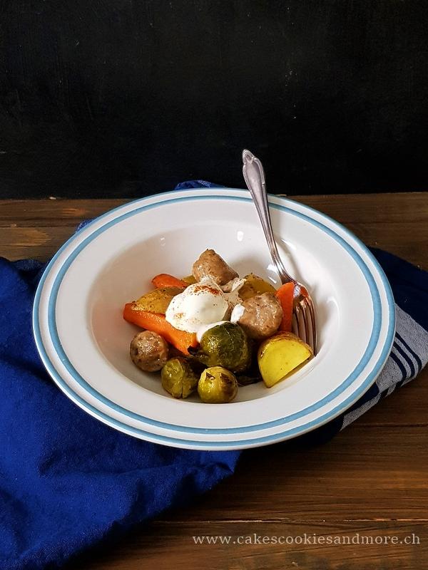 Kartoffel Wurst Belch mit Rosenkohl