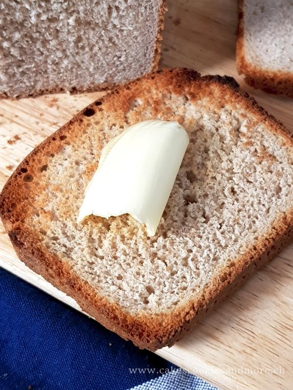 Buttertoastbrot mit Vollkornmehl