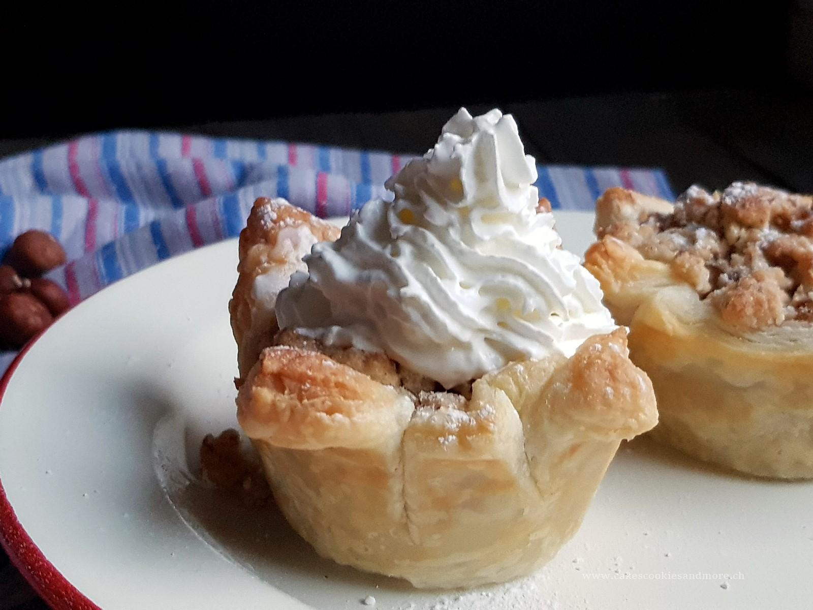 Apfelkuchen Muffins mit Streuseln