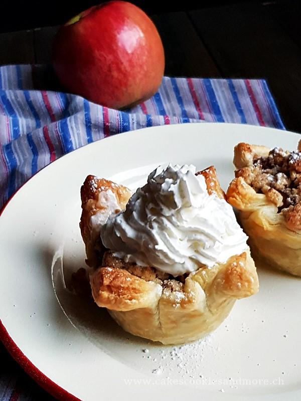 Apfelkuchen Muffins mit Sahne