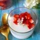 Holunderblütenpudding mit Erdbeeren