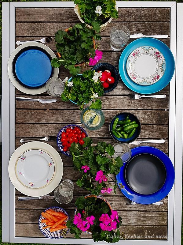 Tischdekoration mit Geranien