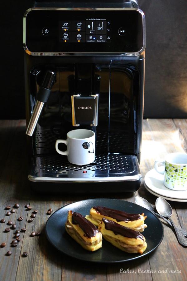 Espresso Eclairs mit dem Kaffeevollautomat Philips 2200 Serie Milchaufschäumer