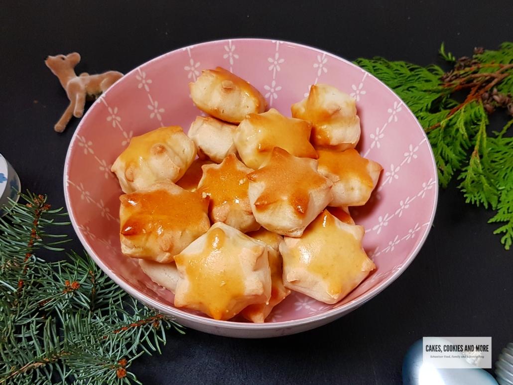 Knoblauchbröchen aus Pizzateig