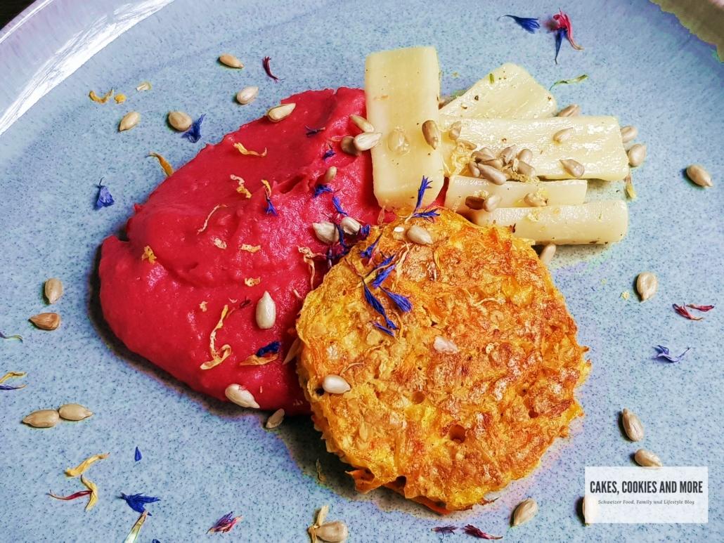 Randen-Kartoffelstock mit Rüebli-Haferflocken-Tätschli und Schwarzwurzeln