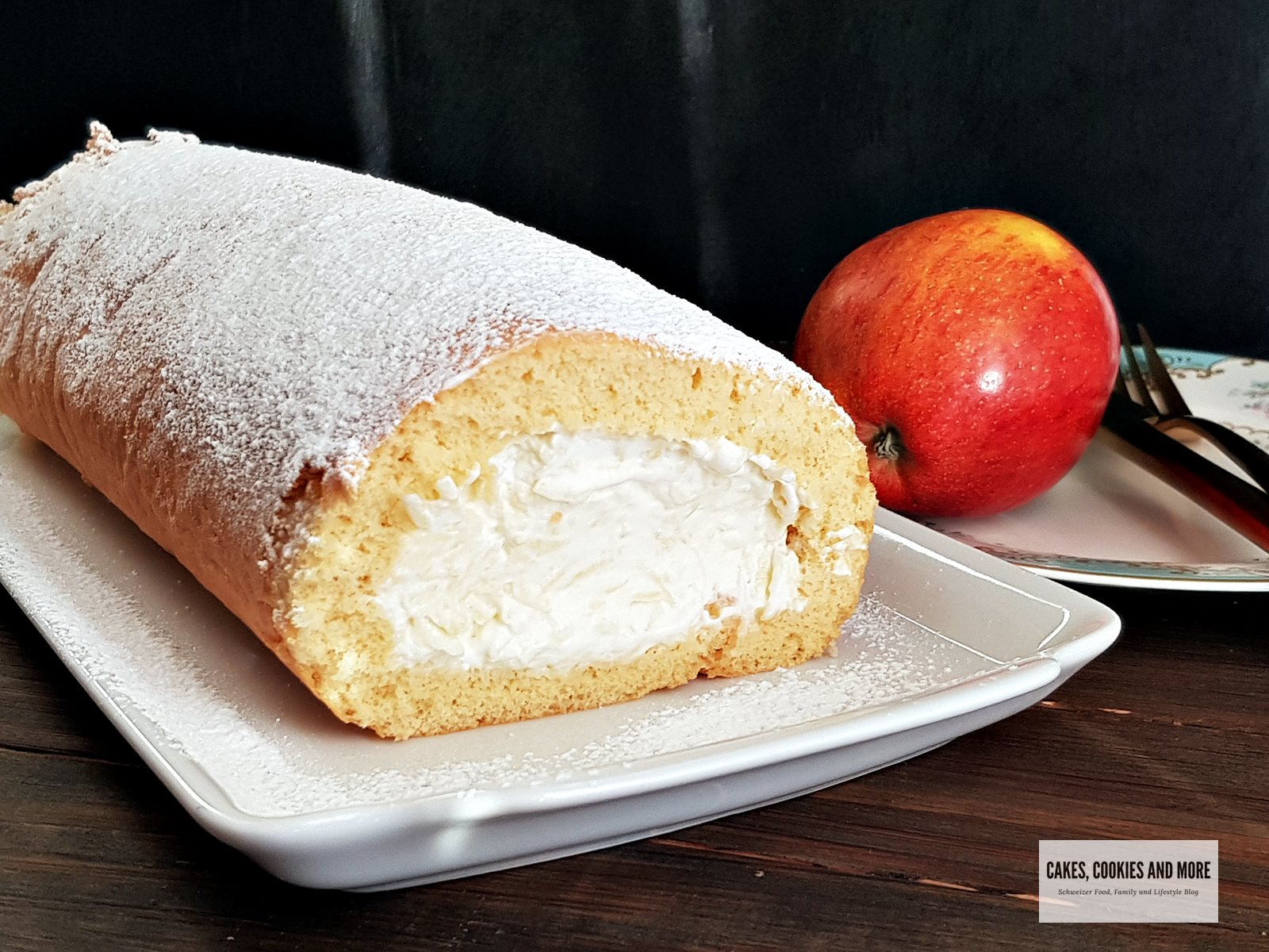 Aus Grossmutters Küche – Biskuitroulade mit Äpfeln