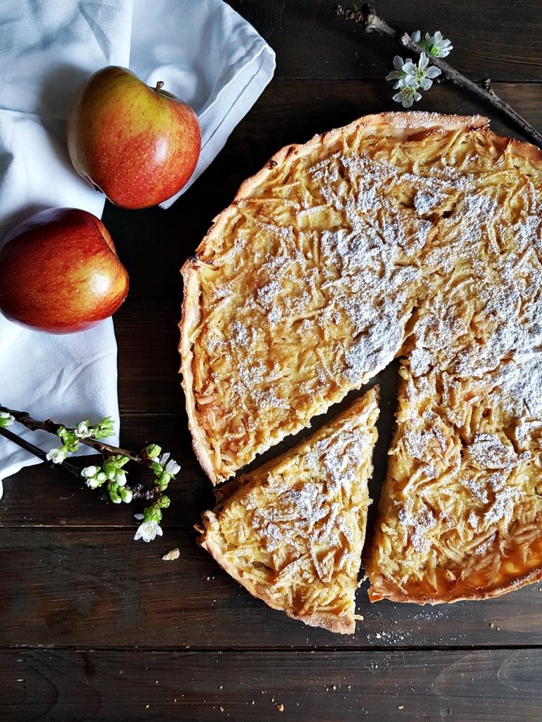 Apfelwähe mit geraffelten Äpfel - ein Schweizer Rezept